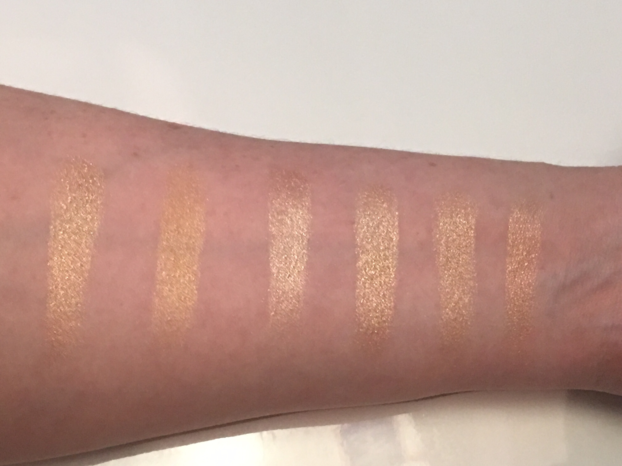 Extra Dimension Skinfinish by MAC #15